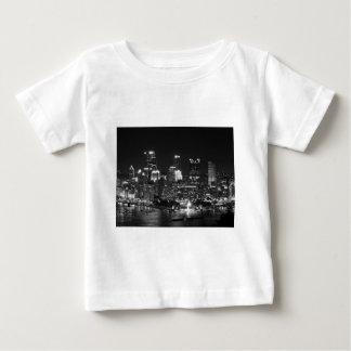 Pittsburgh horisont på natten tee shirts