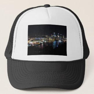 Pittsburgh horisont på natten truckerkeps