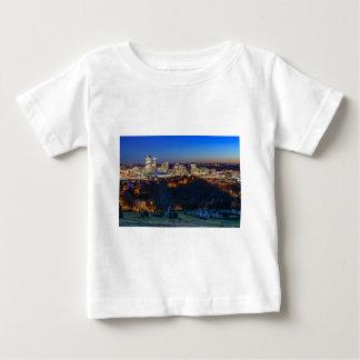 Pittsburgh horisont på solnedgången tshirts