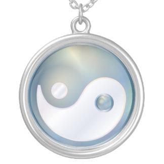 PixDezines Yin Yang, silverblått Halsband Med Rund Hängsmycke