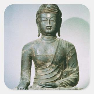 Placerade Sakyamuni Buddha från Ch'ungung-ni Fyrkantigt Klistermärke
