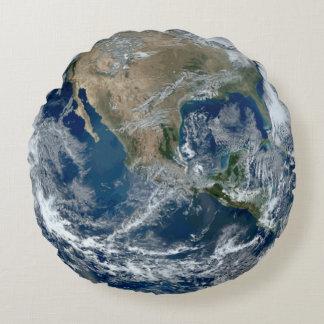 Planetjord från rymden med moln rund kudde
