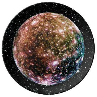 PLANETJUPITERS MÅNE - CALLISTO-stjärnabakgrund 2 Porslinstallrik