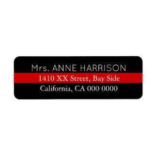 planlägg en svart & ett rött randigt returadress etikett
