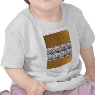 Pläterade randmallen DIY för blommor tillfogar den T Shirt