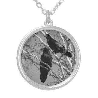 Pläterat halsband för två Ravens silver