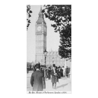 Platsen för den vintageLondon gatan, stora Ben tar Fotokort