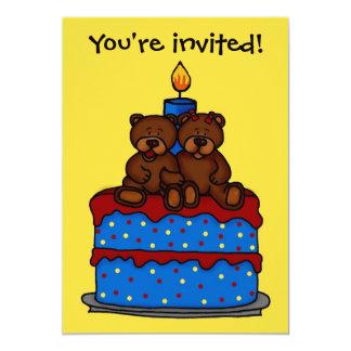 pojke-flicka twillingar på tårtafödelsedagsfest 12,7 x 17,8 cm inbjudningskort