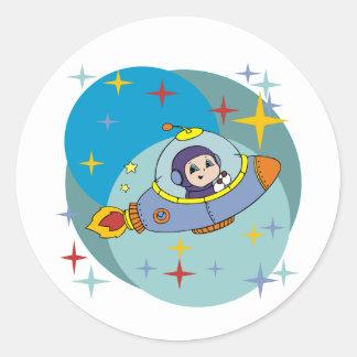 Pojke i Spaceship Runt Klistermärke