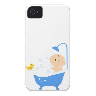 Pojken i bad badar - baby showertrycket Case-Mate iPhone 4 fodral