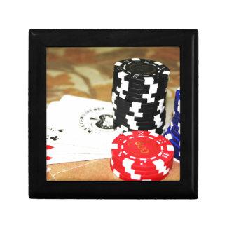 Poker Cards esschiper som spelar kasinosegerleken Minnesask