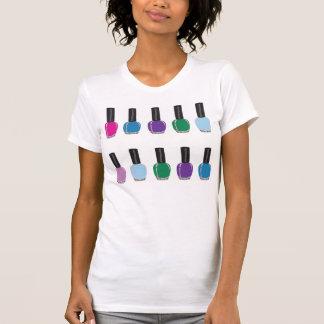 Polsk utslagsplats för nagel t-shirts