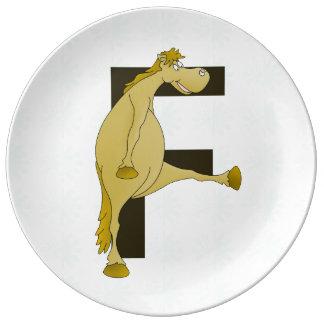 Ponny för Monogrambrev F Porslinstallrik