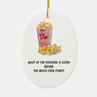 Popcorn ätas, för filmen startar även julgransprydnad keramik
