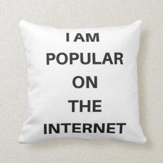 Populärt på dekorativ kudde för internethumortext