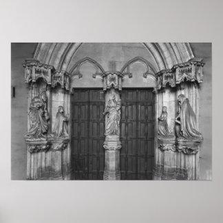 Portal med en trumeau som visar oskulden poster