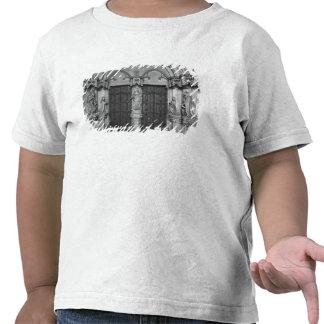 Portal med en trumeau som visar oskulden tröjor