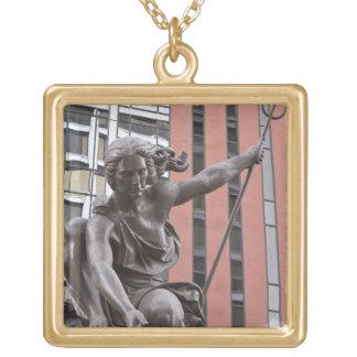 Portlandia staty, Portland, Oregon Guldpläterat Halsband