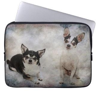 Porträtt av chihuahuas två laptop fodral