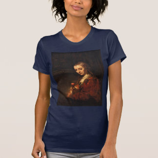 Porträtt av en kvinna med en röd nejlika, t shirts