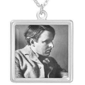 Porträtt av W.B. Yeats Silverpläterat Halsband