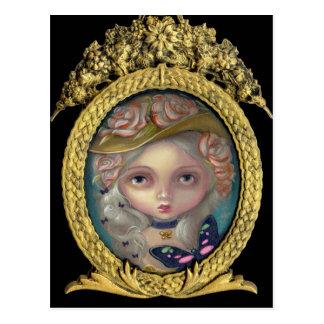 Porträtt med vykortet för en blommig hatt