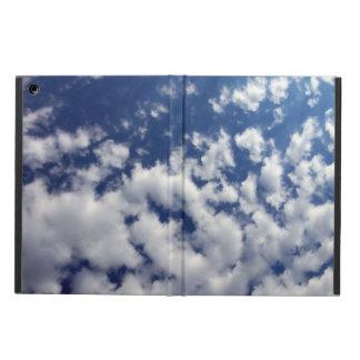 Pösiga moln på blå himmel fodral för iPad air