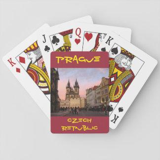Prague tjeckisk republik som leker kort spelkort