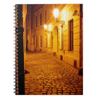 Prague vid Lamplightanteckningsboken Spiral Anteckningsbok