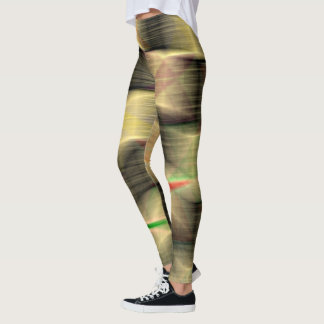 Precariously staplat leggings