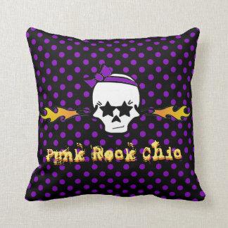 Pricker den chic purpurfärgade polkaen för Punk Kudde