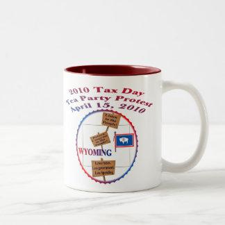 Protest för party för Tea för Wyoming skattdag Två-Tonad Mugg