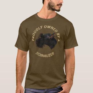 Proudly ägt av en Schnauzer Tshirts