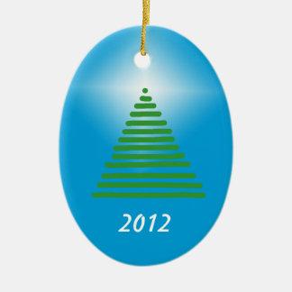 Prydnad - träd med stjärnan ovalformad julgransprydnad i keramik