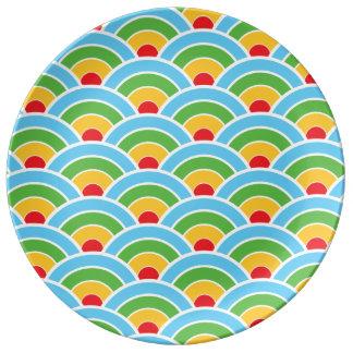 Psychedelic regnbågemönster porslinstallrik