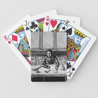 Pubplats som leker kort spelkort