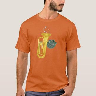 Pufferfisk som leker TubaT-tröja T Shirt