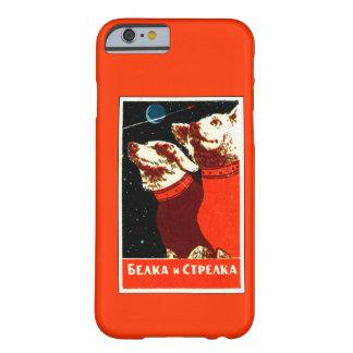 Pupniks Belka & Strelka sovjetiskt utrymme Barely There iPhone 6 Skal