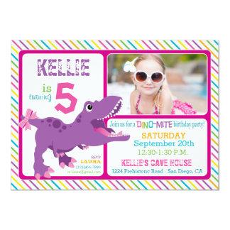 Purpurfärgad födelsedag för T-Rex Dinosaurrand 11,4 X 15,9 Cm Inbjudningskort