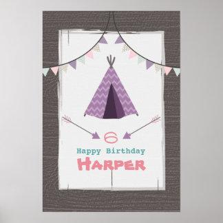 Purpurfärgad Tipi som campar födelsedagaffischen Poster