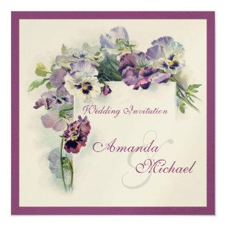 Purpurfärgade pansies kvadrerar bröllopinbjudan fyrkantigt 13,3 cm inbjudningskort