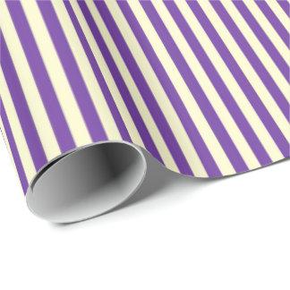 Purpurfärgade randar presentpapper