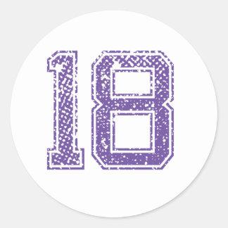 Purpurfärgade sportar Jerzee numrerar 18.png Runt Klistermärke