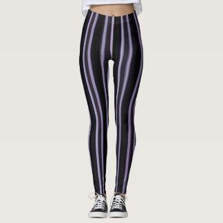 purpurfärgade svart kvinna damasker leggings