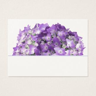 Purpurfärgade vanlig hortensiablommor som gifta