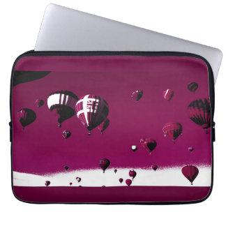 Purpurfärgat fodral för bärbar dator för affisch