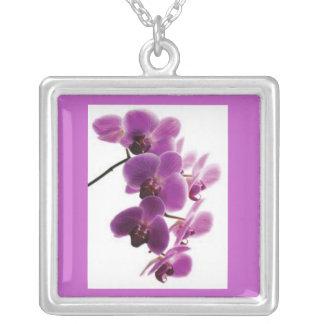 Purpurfärgat Orchidhalsband Silverpläterat Halsband