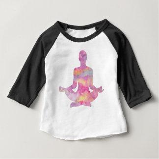 Purpurfärgat rosa meditera för yogi t-shirts