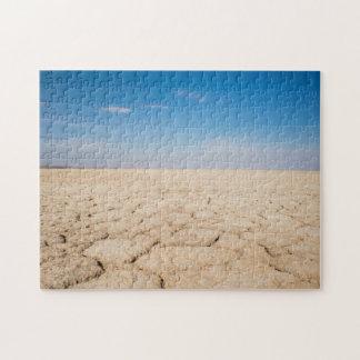 Pussel av knäckt jord i salt panorerar