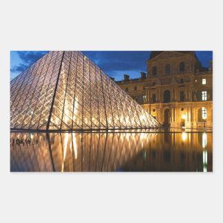 Pyramid i luftventilmuseet, Paris, frankrike Rektangulärt Klistermärke